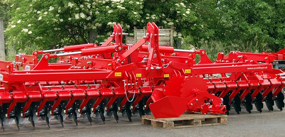 Endmontierte-Landmaschine-zur-Bodenbearbeitung