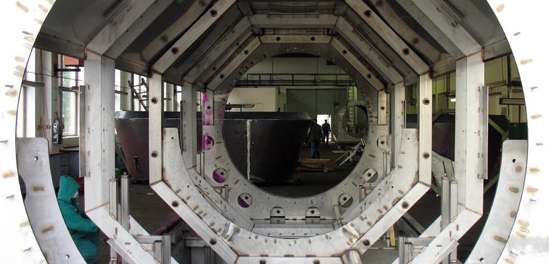 Battenfeld Kunststofftechnik, Edelstahltunnel